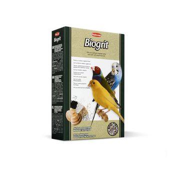 غذا به همراه مواد معدنی برای پرندگان دانه خوار